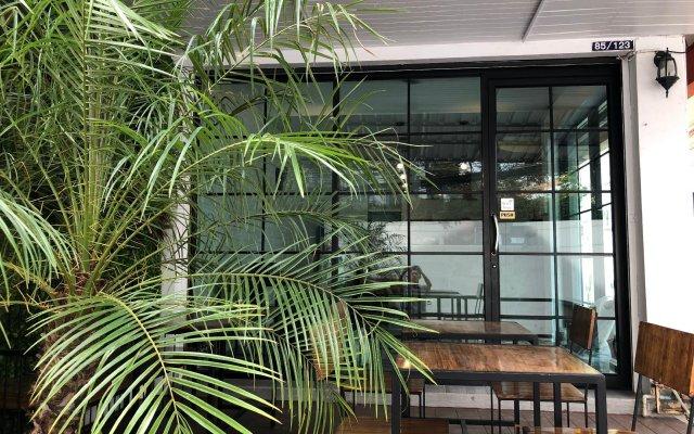 Отель Backpack Station Pattaya - Hostel Таиланд, Паттайя - отзывы, цены и фото номеров - забронировать отель Backpack Station Pattaya - Hostel онлайн вид на фасад
