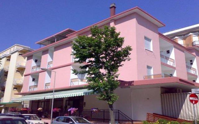 Отель Piccari Римини вид на фасад