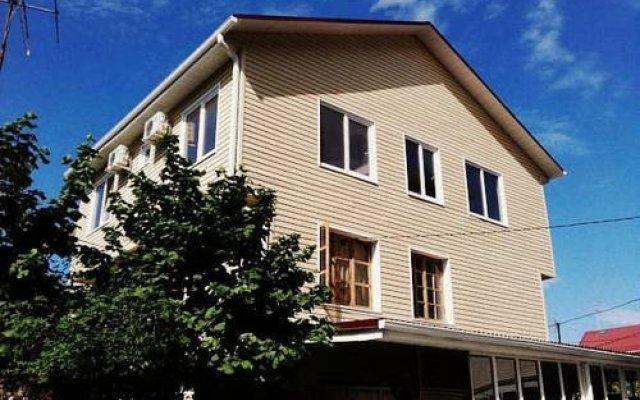 Гостиница Letuchiy Gollandets вид на фасад