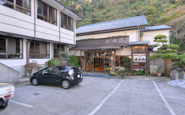 Отель Youroukeikoku Onsenkyo Sagawa Ryokan Касаразу парковка