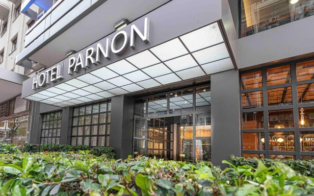 Отель PARNON Афины вид на фасад
