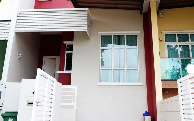 Отель Delite Guest House No 13 @ Batu Ferringhi вид на фасад