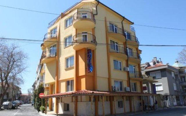 Отель Peneka Hotel Болгария, Поморие - отзывы, цены и фото номеров - забронировать отель Peneka Hotel онлайн вид на фасад