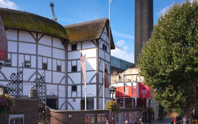 Отель Sea Containers London вид на фасад