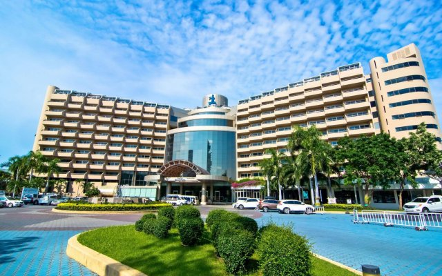 Royal Cliff Beach Hotel вид на фасад