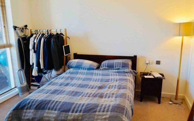 Отель Modern 1 Bedroom Apartment in Central Location Великобритания, Лондон - отзывы, цены и фото номеров - забронировать отель Modern 1 Bedroom Apartment in Central Location онлайн комната для гостей