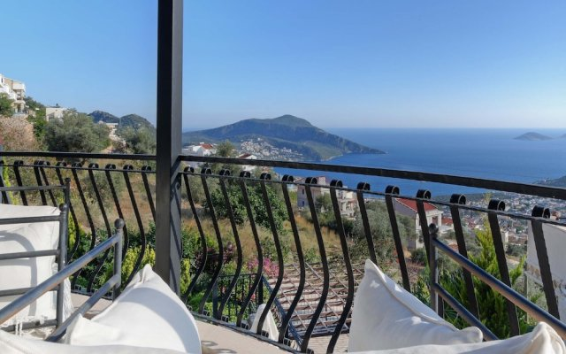 Villa Azalea Турция, Калкан - отзывы, цены и фото номеров - забронировать отель Villa Azalea онлайн балкон