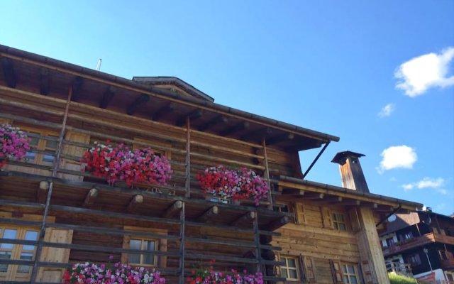 Hotel Garni Plueme Саурис вид на фасад