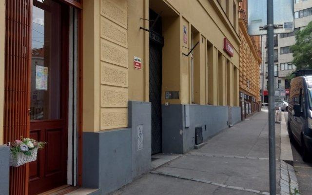 Отель IRMAS вид на фасад