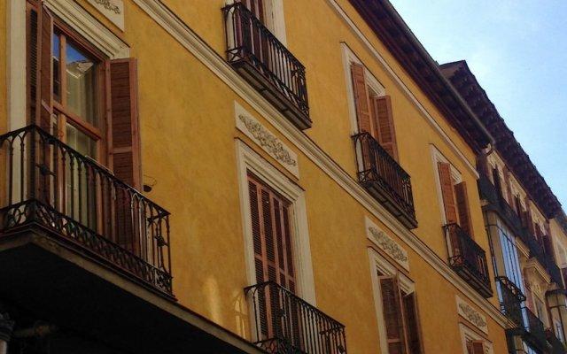 Отель L and H Plaza Santa Ana Мадрид вид на фасад