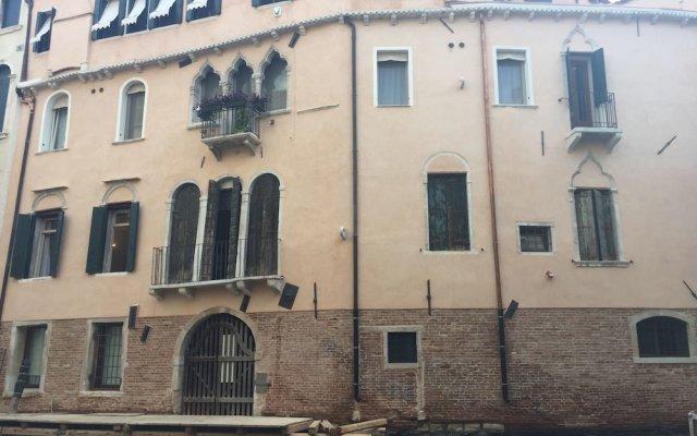 Отель Caneva Италия, Венеция - 1 отзыв об отеле, цены и фото номеров - забронировать отель Caneva онлайн вид на фасад