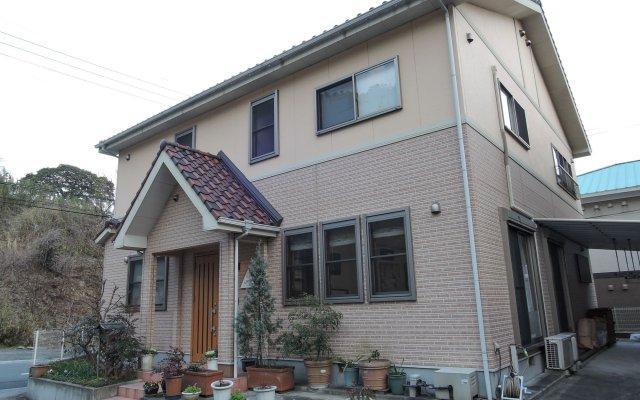 Beppu Yukemuri-no-oka Youth Hostel Беппу вид на фасад