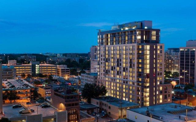 Отель Global Luxury Suites at Woodmont Triangle North США, Бетесда - отзывы, цены и фото номеров - забронировать отель Global Luxury Suites at Woodmont Triangle North онлайн вид на фасад