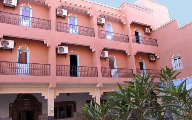 Отель Zaghro Марокко, Уарзазат - отзывы, цены и фото номеров - забронировать отель Zaghro онлайн вид на фасад