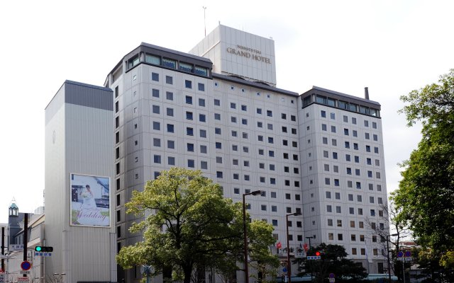 Отель Nishitetsu Grand Фукуока вид на фасад