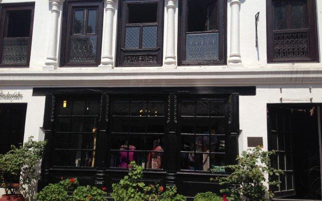 Отель 3 Rooms by Pauline Непал, Катманду - отзывы, цены и фото номеров - забронировать отель 3 Rooms by Pauline онлайн вид на фасад