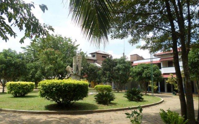 Отель Royal Park Hotel Шри-Ланка, Анурадхапура - отзывы, цены и фото номеров - забронировать отель Royal Park Hotel онлайн вид на фасад