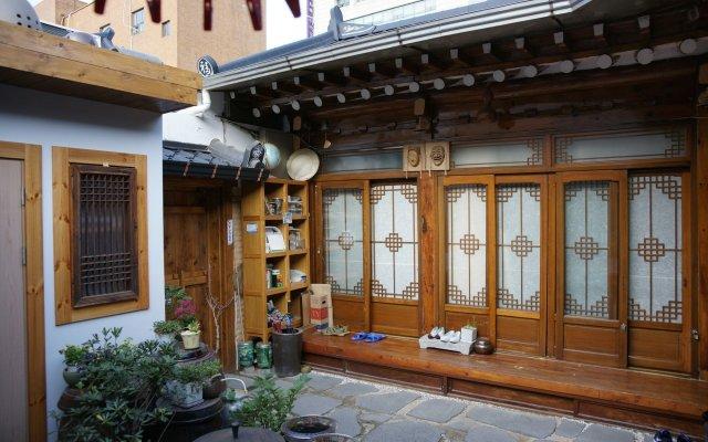 Отель Sodam Hanok Guesthouse Южная Корея, Сеул - 1 отзыв об отеле, цены и фото номеров - забронировать отель Sodam Hanok Guesthouse онлайн вид на фасад