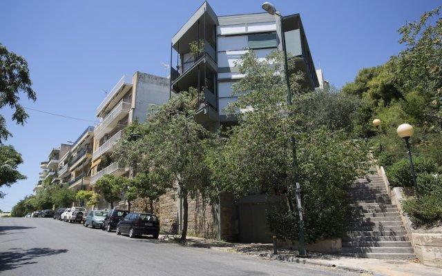 Апартаменты Posh & minimal studio вид на фасад