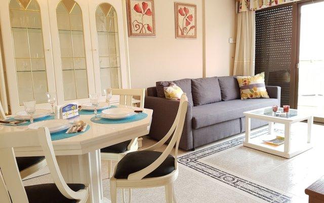 Отель Sky-High Seaside Fuengirola Flat Фуэнхирола комната для гостей