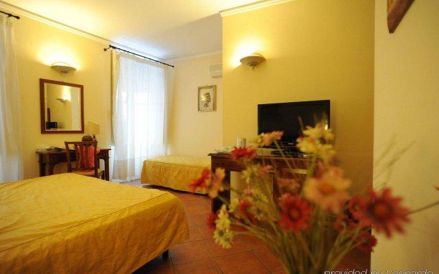 Отель Mediterraneo Сиракуза комната для гостей