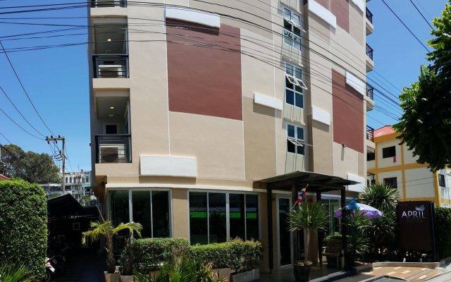 Отель April Suites Pattaya Паттайя вид на фасад