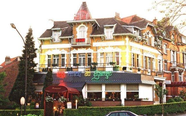 Hotel L'Auberge du Souverain вид на фасад
