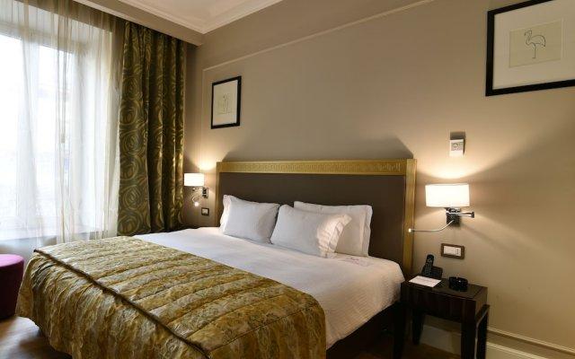 Отель Grand Hotel Yerevan Армения, Ереван - 4 отзыва об отеле, цены и фото номеров - забронировать отель Grand Hotel Yerevan онлайн комната для гостей