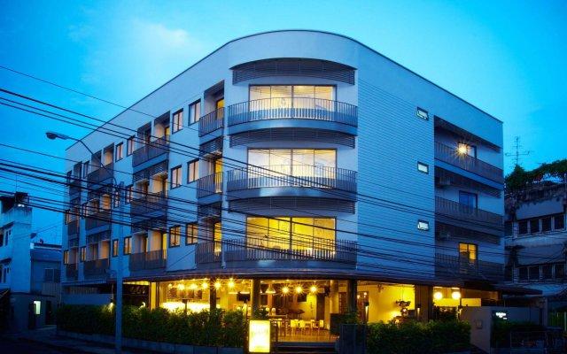 Отель Siri Oriental Bangkok Hotel Таиланд, Бангкок - 1 отзыв об отеле, цены и фото номеров - забронировать отель Siri Oriental Bangkok Hotel онлайн вид на фасад