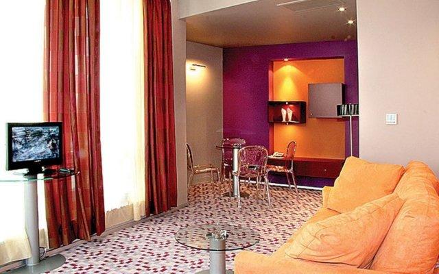 Отель Mone