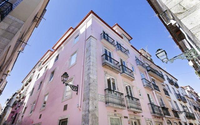 Апартаменты Hello Lisbon Bairro Alto Apartments вид на фасад