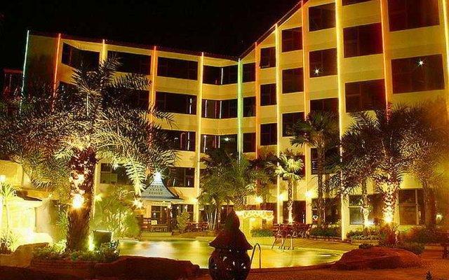 Отель Dragon Beach Resort вид на фасад