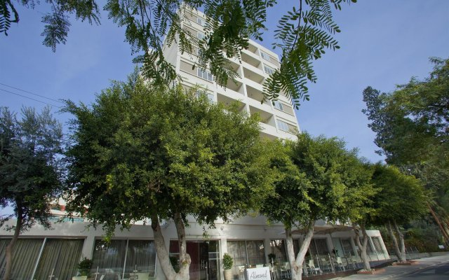 Almond Business Hotel