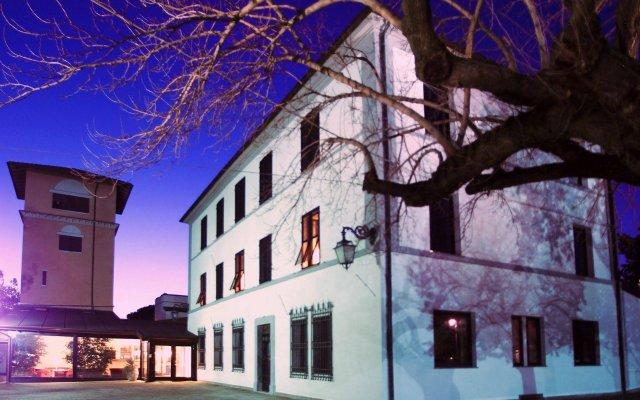 Hotel La Torre Монтекассино вид на фасад