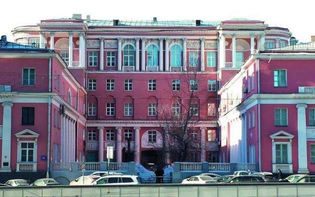 Отель People Business Novinsky Москва вид на фасад