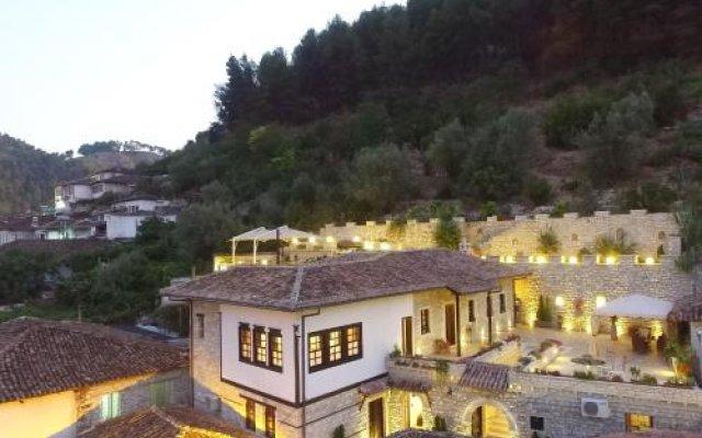 Отель Vila Aleksander Албания, Берат - отзывы, цены и фото номеров - забронировать отель Vila Aleksander онлайн вид на фасад