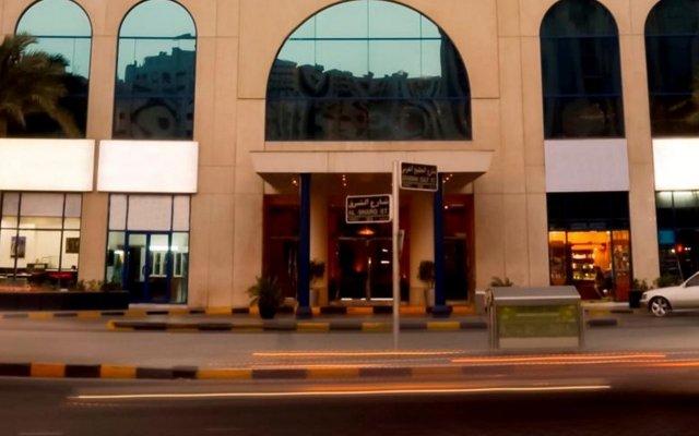Отель Swiss-Belhotel Sharjah ОАЭ, Шарджа - отзывы, цены и фото номеров - забронировать отель Swiss-Belhotel Sharjah онлайн вид на фасад