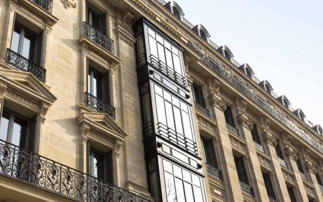 Отель La Clef Tour Eiffel Paris by The Crest Collection Франция, Париж - 1 отзыв об отеле, цены и фото номеров - забронировать отель La Clef Tour Eiffel Paris by The Crest Collection онлайн вид на фасад