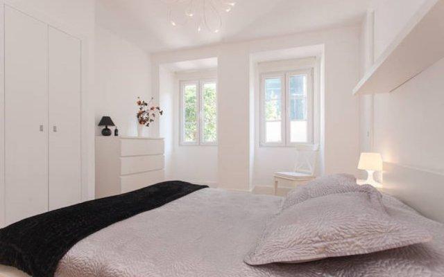 Отель Lisbon Deluxe Flat in Principe Real комната для гостей
