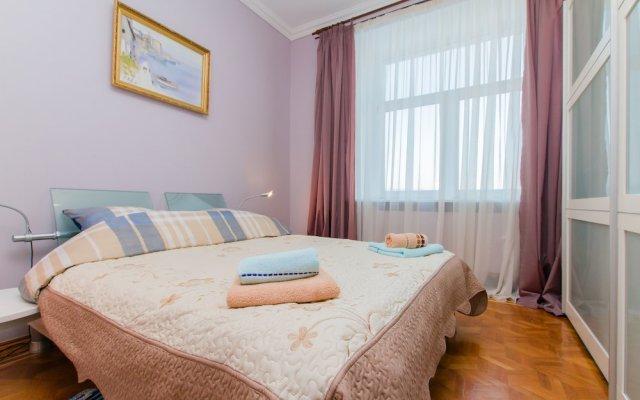 Гостиница Apartmenty Uyut Stalinsky Ampir в Москве отзывы, цены и фото номеров - забронировать гостиницу Apartmenty Uyut Stalinsky Ampir онлайн Москва вид на фасад