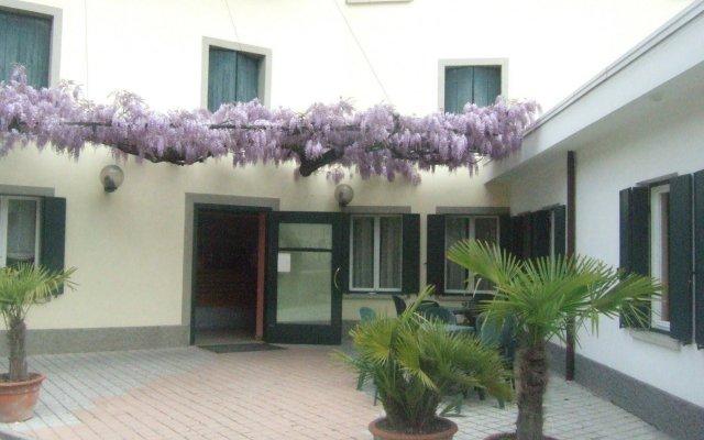 Отель Suite Maria Residence Буттрио вид на фасад