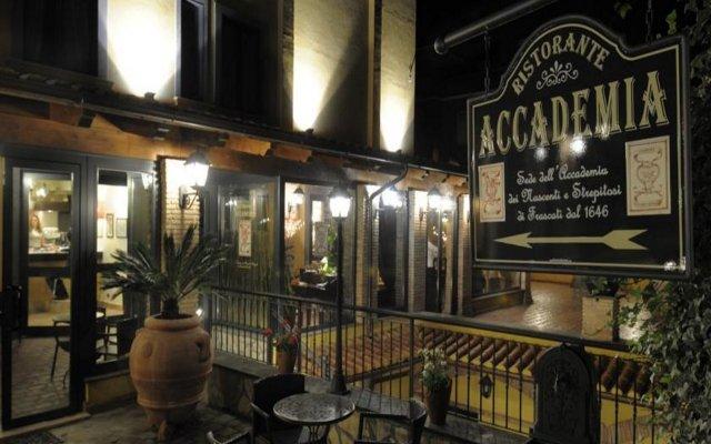 Hotel Poggio Regillo вид на фасад
