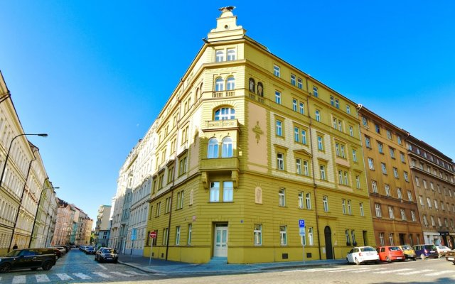 Апартаменты Terra Bohemia Apartment вид на фасад