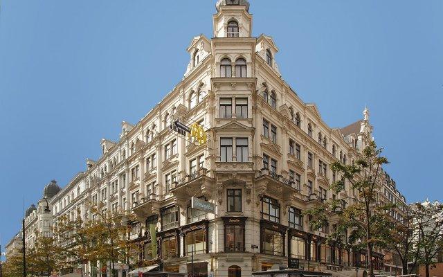 Отель Aviano Pension вид на фасад