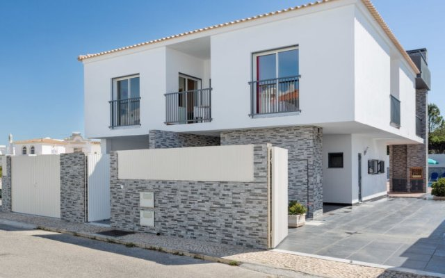 Отель Estrela do Mar Praia da Galé вид на фасад