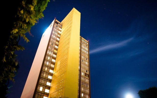 Hotel Misión Guadalajara Carlton вид на фасад
