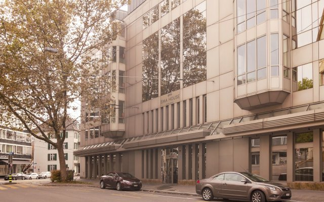EMA House Hotel Suites вид на фасад
