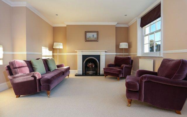 Отель 2 Bedroom Apartment in the Heart of Pimlico Великобритания, Лондон - отзывы, цены и фото номеров - забронировать отель 2 Bedroom Apartment in the Heart of Pimlico онлайн комната для гостей