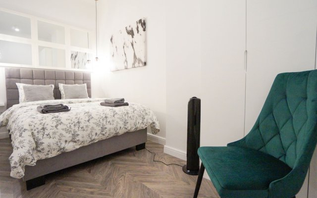 AAA STAY Premium Apartments Old Town