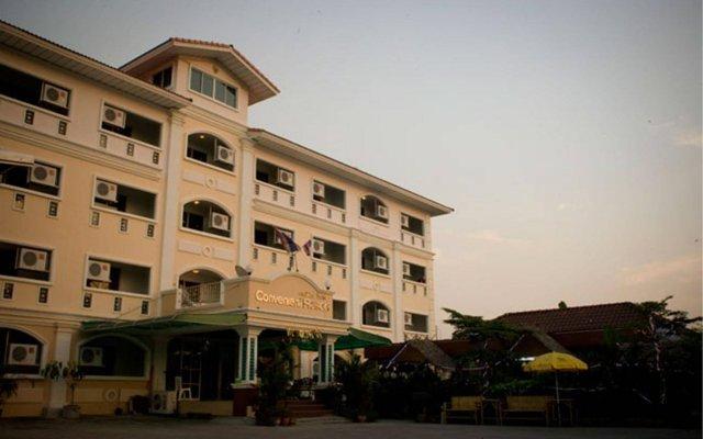 Отель Convenient Resort вид на фасад